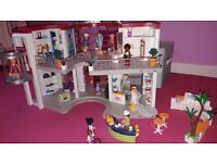 Playmobil shopping mall immaculate condition