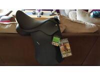 "Wintec 500 - Horse Saddle - 17"" standard fit (black)"