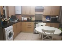 Large clean double room recently refurbished no deposit required with fast 100mb+ wifi