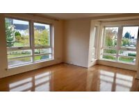 Stunning 2-Bed Flat in Anniesland close to All Amenities & Public Transport
