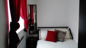 Furnished neat modern 1 bed with lounge/dining room, kitchen, showerroom & private courtyard