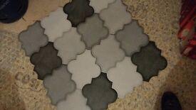 Job lot 37 square meters of tiles