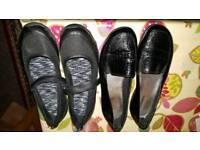 School girls shoes size 4