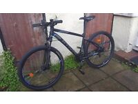"""Like New - Btwin Rockrider 520 - 18"""" - 27.5"""" tyres - Double Discs - Front suspension"""