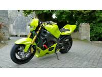 Suzuki gsxr 750 k5 custom 1 off street fighter