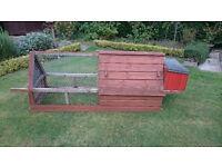 Large rabbit / guinea pig etc hutch / run