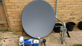 1M Satellite Dish, Diseqc Motor & Twin LNB