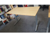 Adjustable height Ikea desk, in great condition