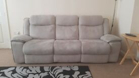 electric reclining sofa set in very good condition