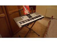 Yamaha PSR E323 Electronic Keyboard