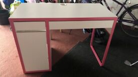 Ikea Pink child's desk Great condition 105x 50x 75 pick up only