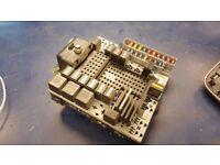 VOLVO XC90 2.4 D5 FUSE BOX WITH FUSES RELAYS BOX 08696040 8622520 03W463 0981912