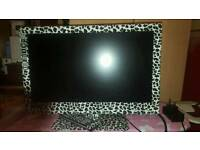"""Bush 22"""" flat screen TV DVD with remote"""