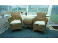 Gorgeous 5 piece conservatory furniture set