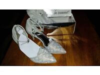 Ladies dress shoes high heels sparkle size 6 never worn new in box