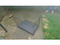 MEDIUM SIZED DOG CAGE - EXCELLENT CONDITION