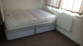 Double Room To Let In Eltham, London SE9: With double bed £450pm inclusive. Free WiFi