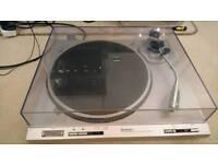 Direct drive turntable Technics SL-D202