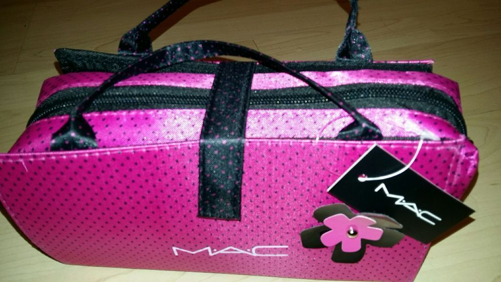 Mac Pink Complete Make Up Bag Set | In East End Glasgow | Gumtree