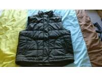 Sleeveless Jacket (Size: Large)
