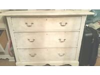 Shabby Chic Oak Chest of Drawers in Vintage White