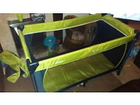 Hauck travel cot with bassinet 30.00
