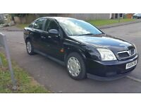 2004 Vauxhall Vectra black 10 months MOT in excellent condition