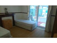 Very Large Room to Rent in Basingstoke, Winklebury, Nicely Furnished 4 Bedroom House