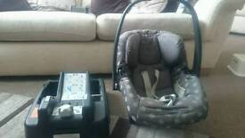 Mammas And Pappas car seat and base