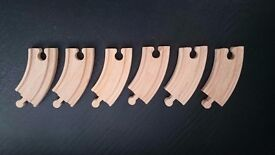 6 x small wooden curved track