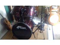Full size 5 piece Tiger drum kit