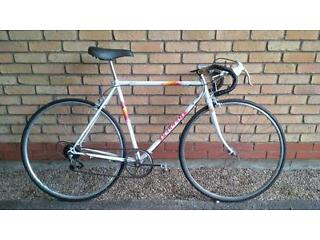 LIGHT PEUGEOT ROAD BIKE IN EXCELLENT CONDITION RECENTLY REBUILT NEW CHAIN TIRES BRAKES 54 CM FRAME