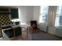 Balham. Excellent, economical flat to let.
