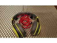 Beats by Dr dre solo 2 wireless special edition