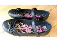 Girls Black School Shoes with Diamonte's Size 3
