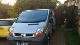 Renault 2.5 auto swb. mot oct 2017 new cam belt new tow bar fitted twin .