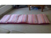 Children's sleepover bed / mattress