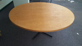 LARGE ROUND TABLE - 150 CM DIAMETRE (60 INCHES)