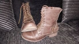 Womens size 5 brown boots