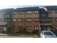 2 BEDROOM PURPOSE BUILT FLAT IN HIGHAMS PARK .*PART DSS ACCEPTED WITH GUARANTOR*
