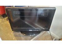 "TOSHIBA 32"" Full HD 1080p Freeview LCD TV £75"