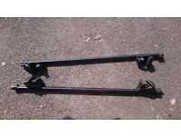 Thule roof bars for cars with roof rails