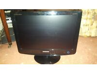 """Samsung 19"""" LCD Television / computer monitor"""