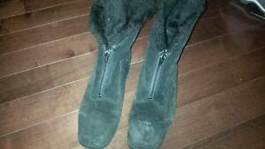 Womens Boots size 6.5 and columbia jacket- hats and mitts