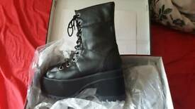 c71c4ced261 Demonia Ranger 301 Platform boots