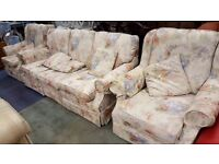 3 Seater Floral Country Style Sofa & 2 Arm Chairs With Scatter Cushions In Great Condition