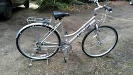 Ladies HYBRID lightweight aluminium city bike