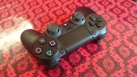 Nearly new PS4 controller. Playstation 4 dualshock pad joypad wireless).