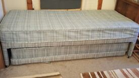 Single or guest bed with matching trundler