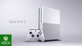 Xbox one S (latest model) 500gb white, as new in box + 5 games
